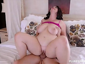 Plump Big Tit MILF Gets face Fucked in the Ass by College Stud