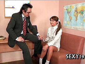 Oral sex stimulation for a excited teacher