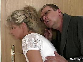 Family threesome sex with girlfriend!