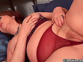 Full figured grandma with tits needs orgasm