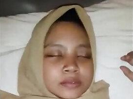 Indonesian cewek jilbab dientot