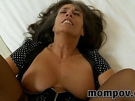 mature fucked in her pantyhose
