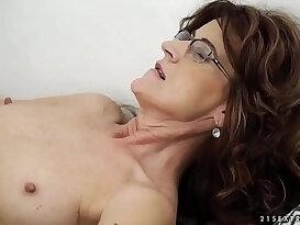 Sexy sugar mama on younger dick Lusty Grandmas