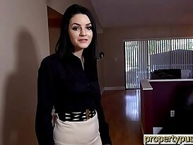 Young real estate agent is really bad at doing her job