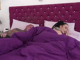 Alessa gets morning sex with step-brother